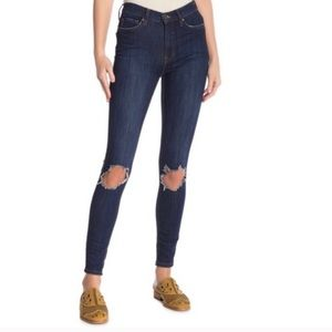 Free People High Waisted punch knee jeans 25